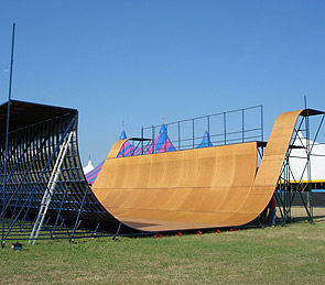 HIRE A RAMP HALFPIPE MINI RAMP SKATEPARK JUMP RAMP EXTREME SPORTS Skateboarding BMX Inline skating - TEAM EXTREME® displays shows demos ... & HIRE A RAMP HALFPIPE MINI RAMP SKATEPARK JUMP RAMP EXTREME ...